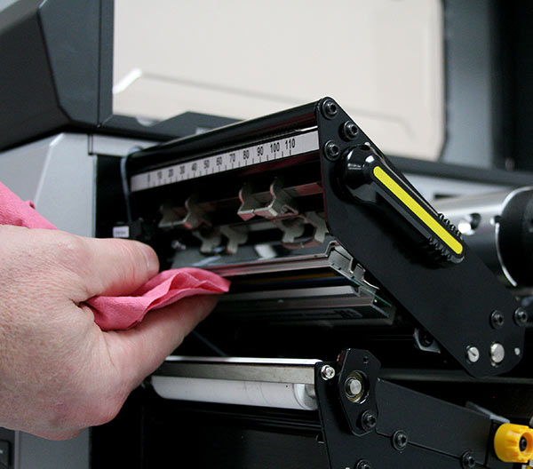 تمیز کردن هد لیبل پرینتر - شرکت ایده گسترش